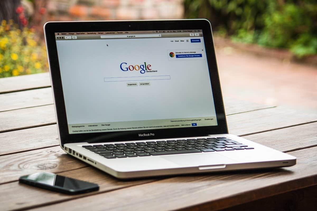 wyszukiwarka google w komputerze